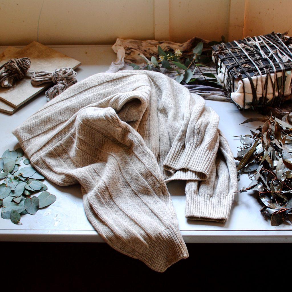 Eco-printing on wool